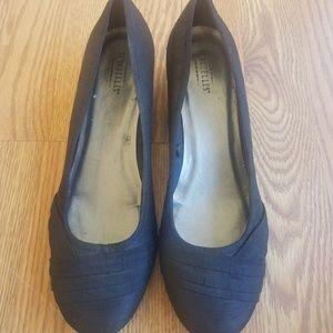 Seychelles Womans Size 9 Black Dress Shoes